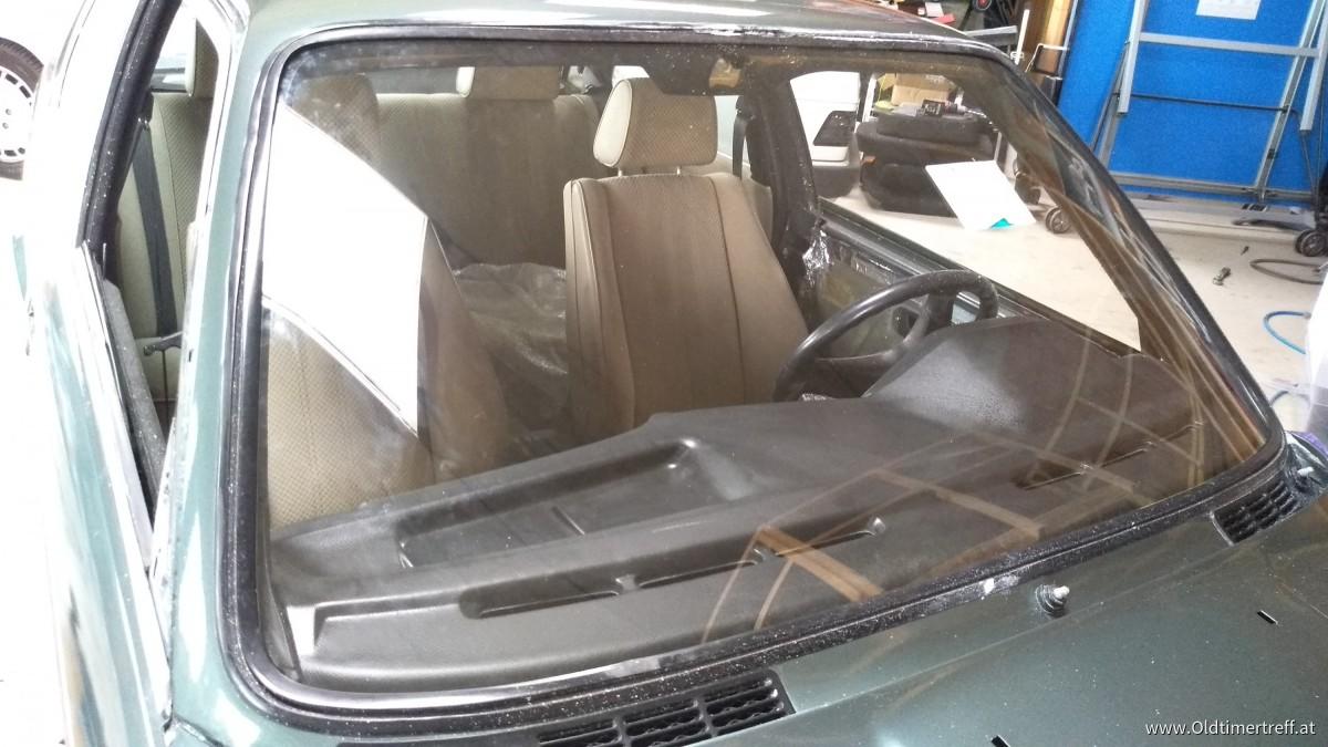 BMW E30 323i
